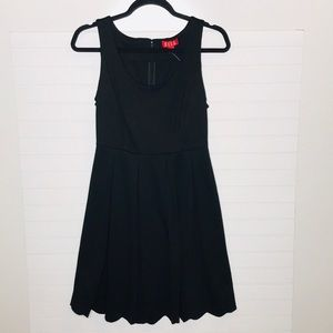 Elle Black Dress Size 6 NWT
